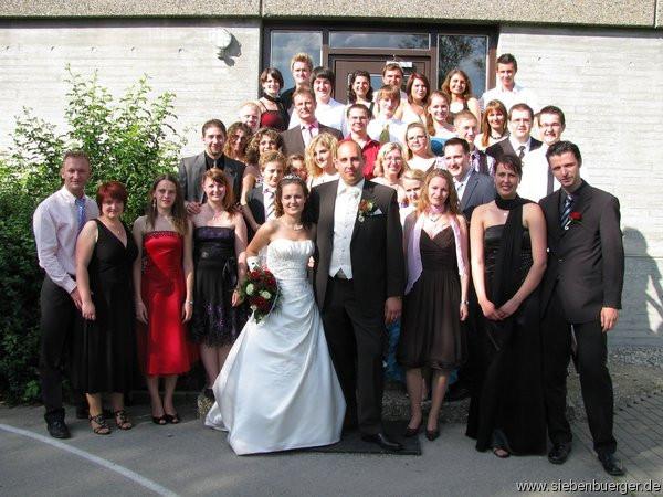 Kleidung Hochzeit Gast  Siebenbuerger In festlicher Kleidung