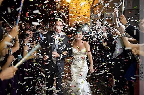 Konfettikanone Hochzeit  Perfekter Konfettiregen zur Hochzeit So geht s