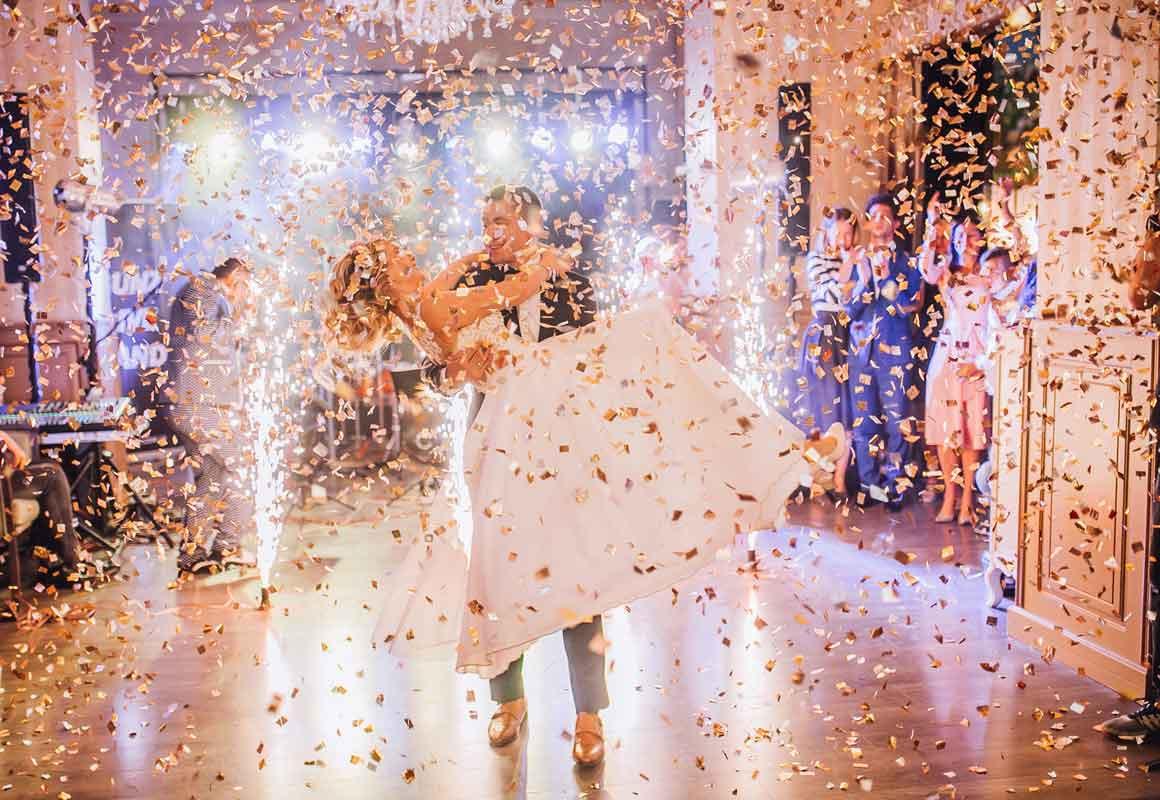 Konfettikanone Hochzeit  Konfettikanone Hochzeit für Brautpaare und Gäste