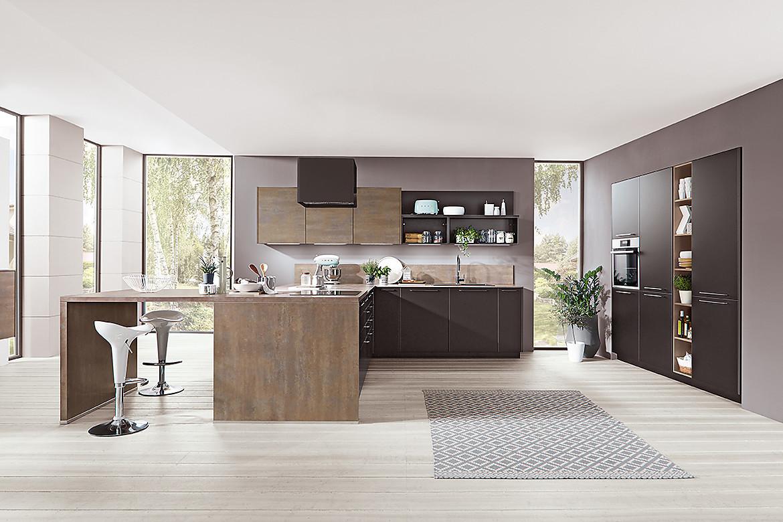 Küche Mit Kochinsel  Küche mit Kochinsel und Sitzgelegenheit