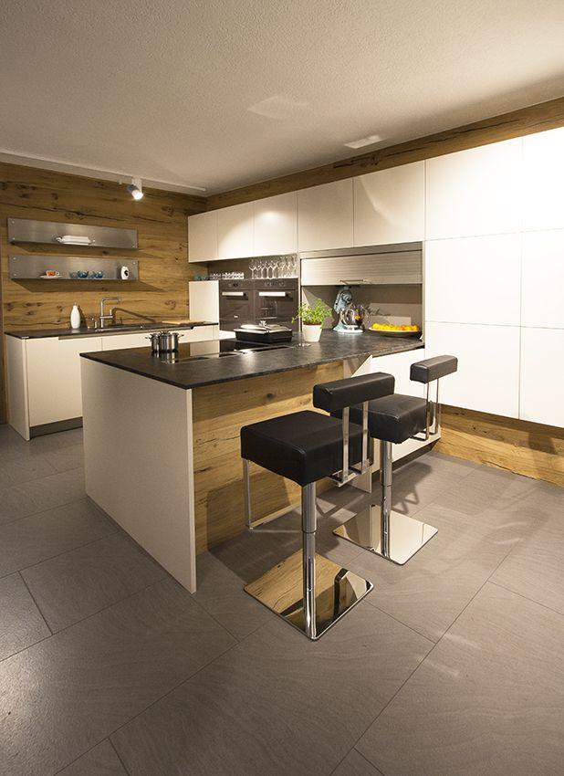 Küche Mit Kochinsel  Küche mit Kochinsel und Rückwand aus Eiche