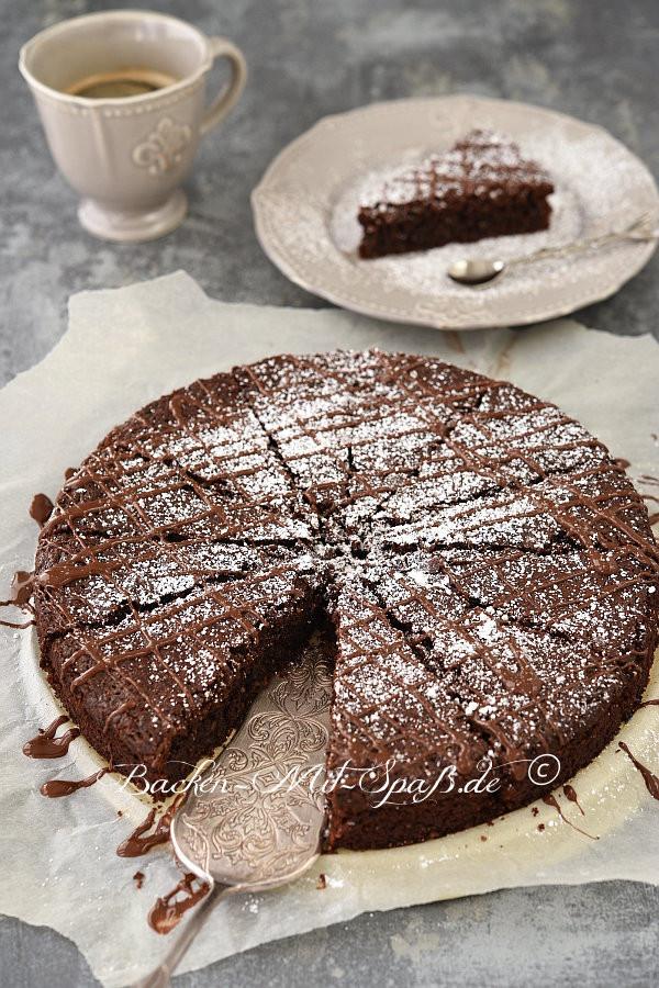 Kuchen Ohne Eier  Schoko Nuss Kuchen ohne Mehl Rezept