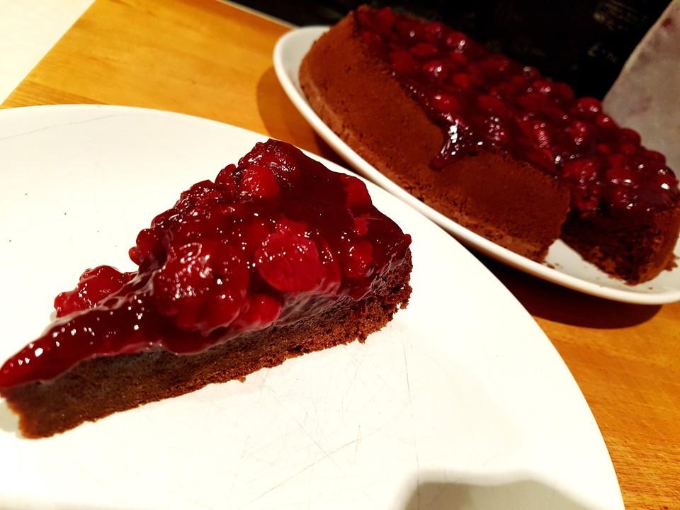 Kuchen Ohne Zucker  Schoko Kirsch Kuchen ohne Mehl und Zucker Rezept mit Bild