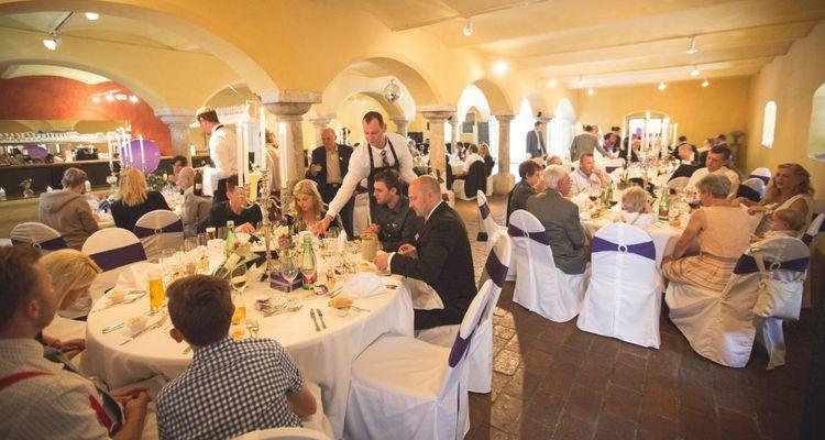 Kutscherspiel Hochzeit  Kutscherspiel Lustiges und bekanntes Hochzeitsspiel für