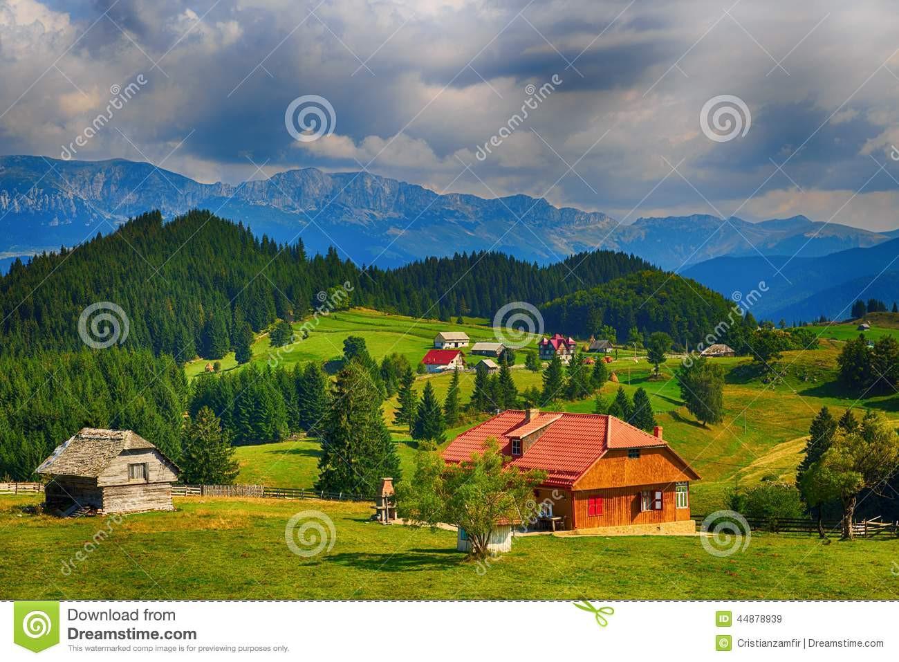 Landschaft In Rumänien  Schöne Landschaft In Den Bergen Rumänien Stockfoto Bild