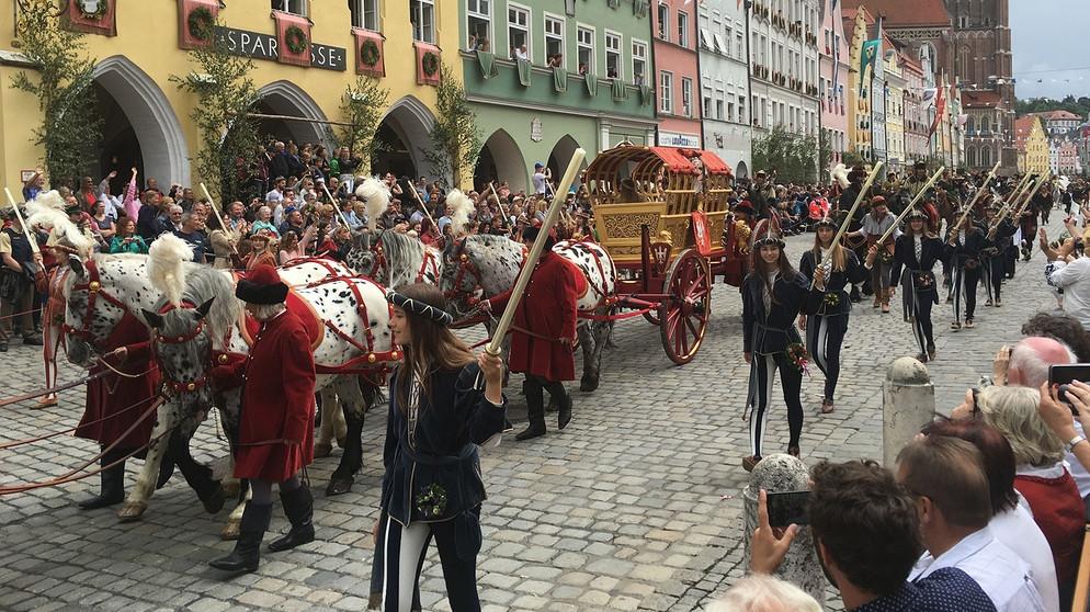 Landshuter Hochzeit Programm  BR Fernsehen Feiern wie im Mittelalter