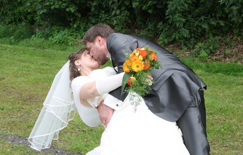 Lederne Hochzeit  Happy Lederne Hochzeit
