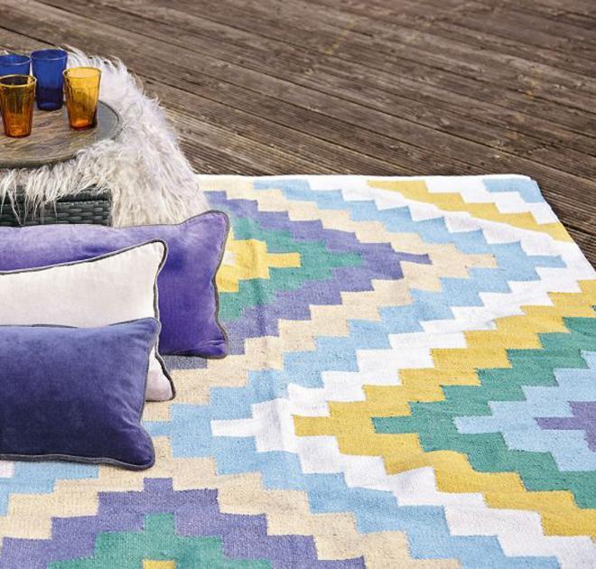 Liv Teppich  Teppich von Liv Interior Bild 3 [LIVING AT HOME]