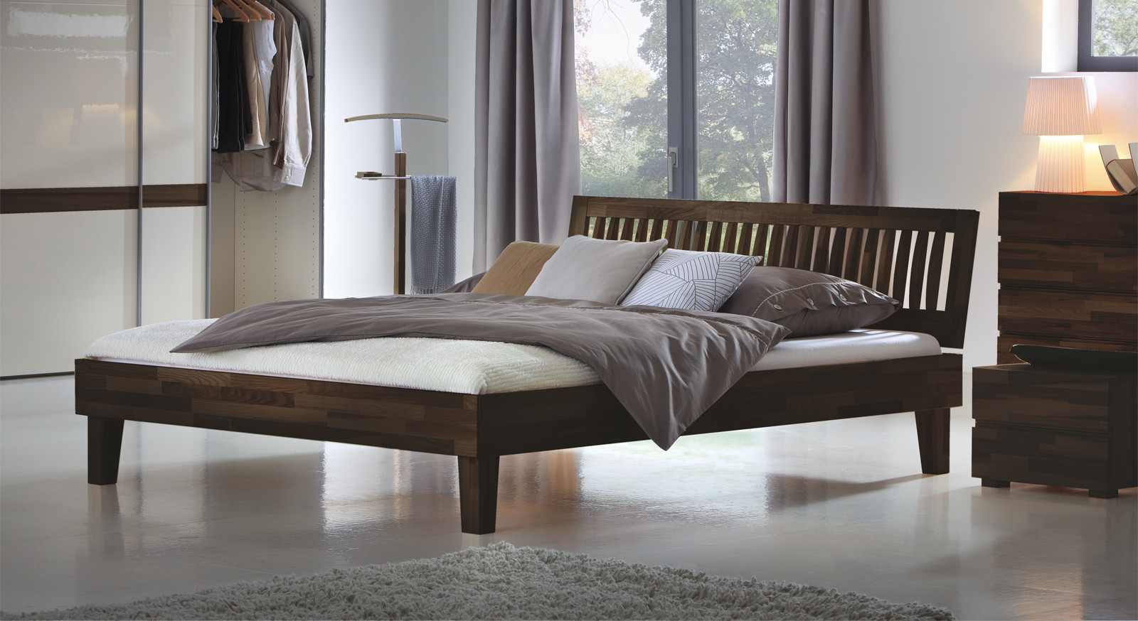 Massivholzbett 200x200  Weißes Massivholzbett in z B 200x200 cm Größe Bett Laredo
