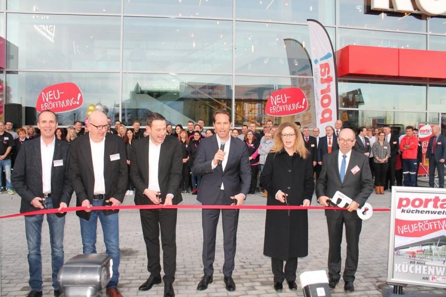 Möbel Boss Leipzig  Porta Holding Impressionen der Doppel Eröffnung in