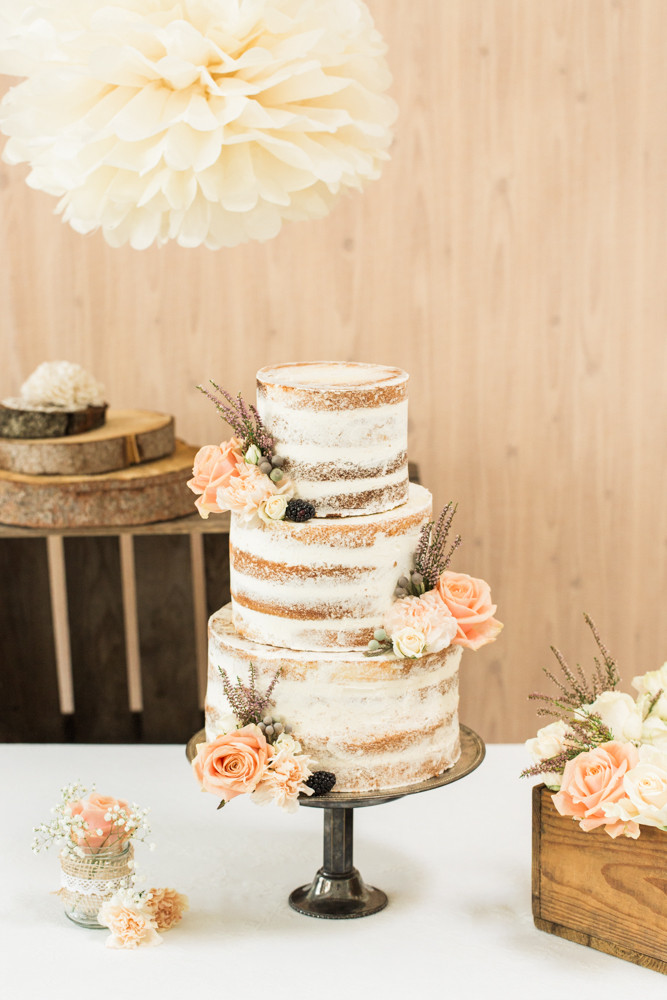 Naked Cake Hochzeitstorte  Die Schnabulerie in der Presse Torten und Desserts
