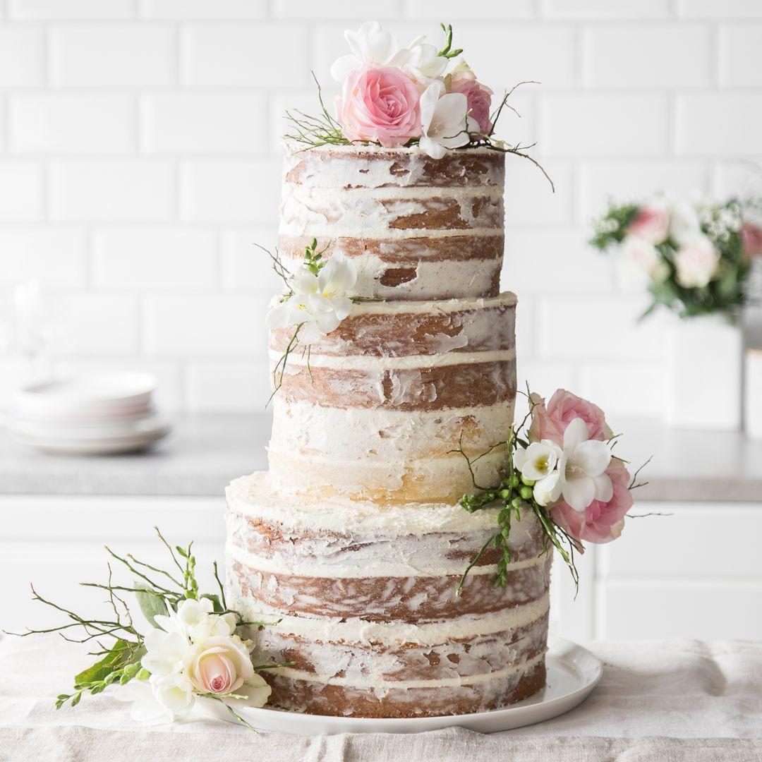 Naked Cake Hochzeitstorte  So bereitest du eine Naked Cake Hochzeitstorte zu