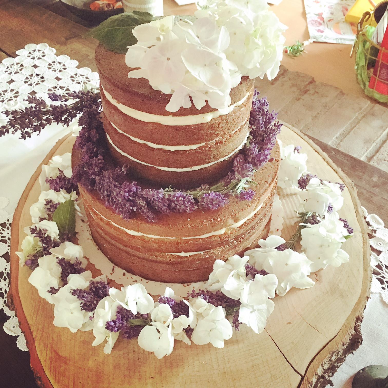 Naked Cake Hochzeitstorte  Naked Cake Hochzeitstorte cakefriday genussgeeks