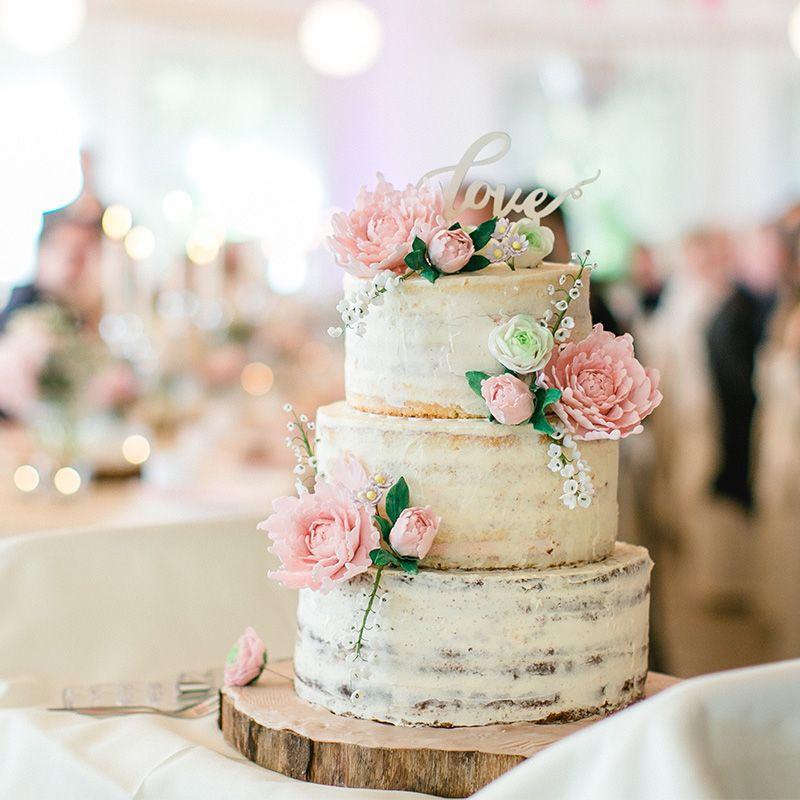 Naked Cake Hochzeitstorte  Hochzeitstorte mit echten Blumen Naked Cake dreistöckig