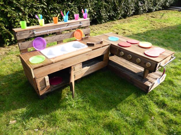 Palettenmöbel Garten  Palettenmöbel Kinderküche M aus Holz für Garten