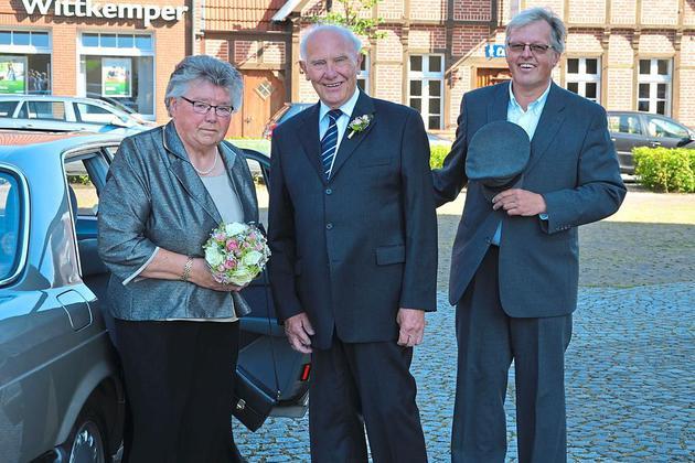 Pfarrer Schießler Hochzeit  Goldene Hochzeit Der Pfarrer als Chauffeur