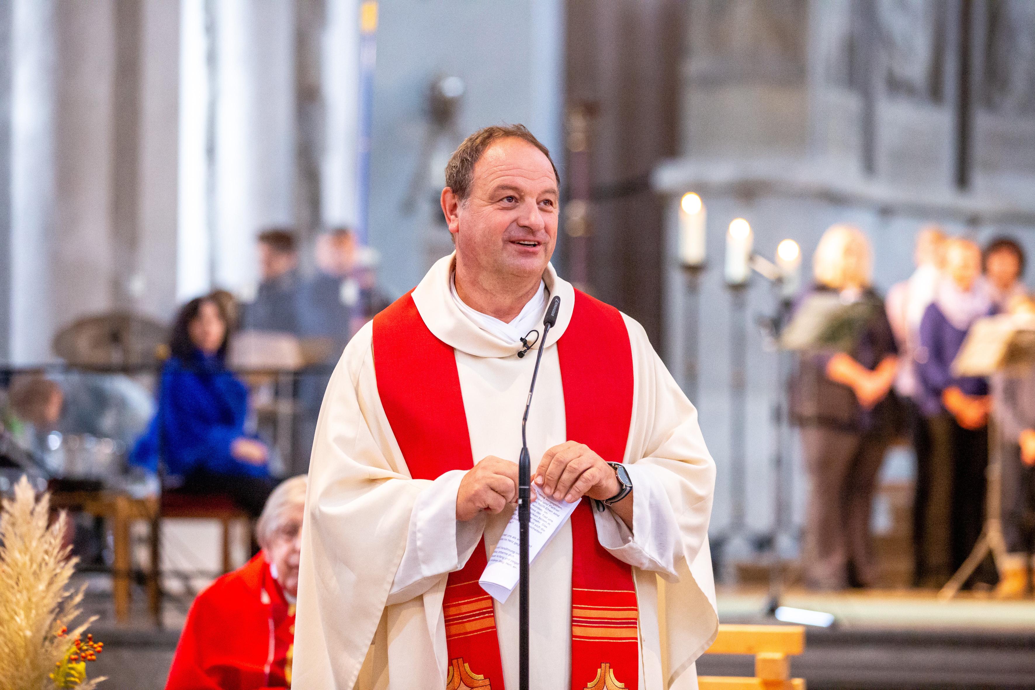 Pfarrer Schießler Hochzeit  25 Jahre Pfarrer Schießler in St Maximilian