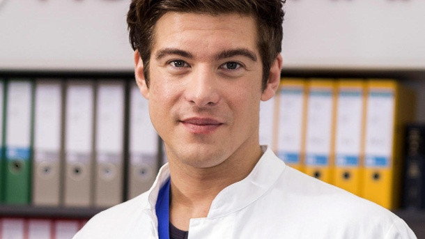 """Philipp Danne Hochzeit Bunte  """"In aller Freundschaft – Die jungen Ärzte"""" Serienstar ist"""