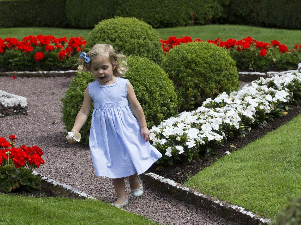Prinzessin Garten  Entwischt Prinzessin Leonore türmt vor ihrer Familie
