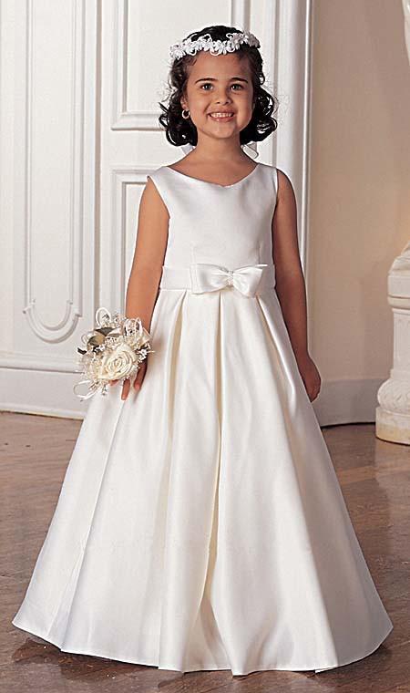 Prinzessinnenkleid Hochzeit  BrautMode Hochzeit Brautmode Hochzeit und Kommunion