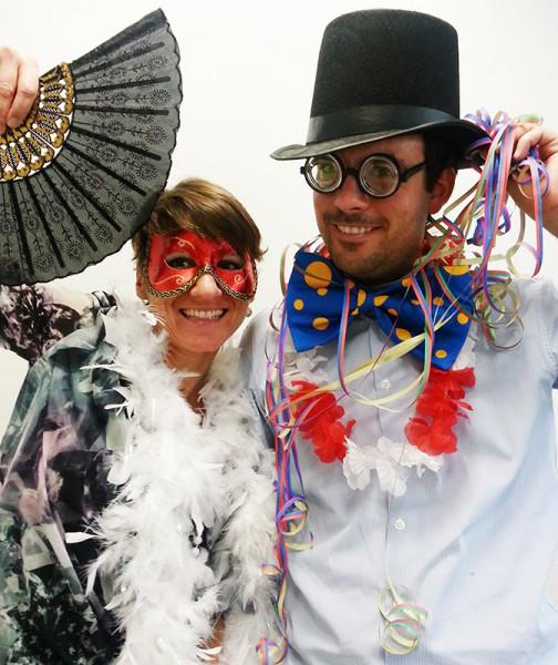 Regenschirmtanz Hochzeit  Spaß Verkleidung für Booth