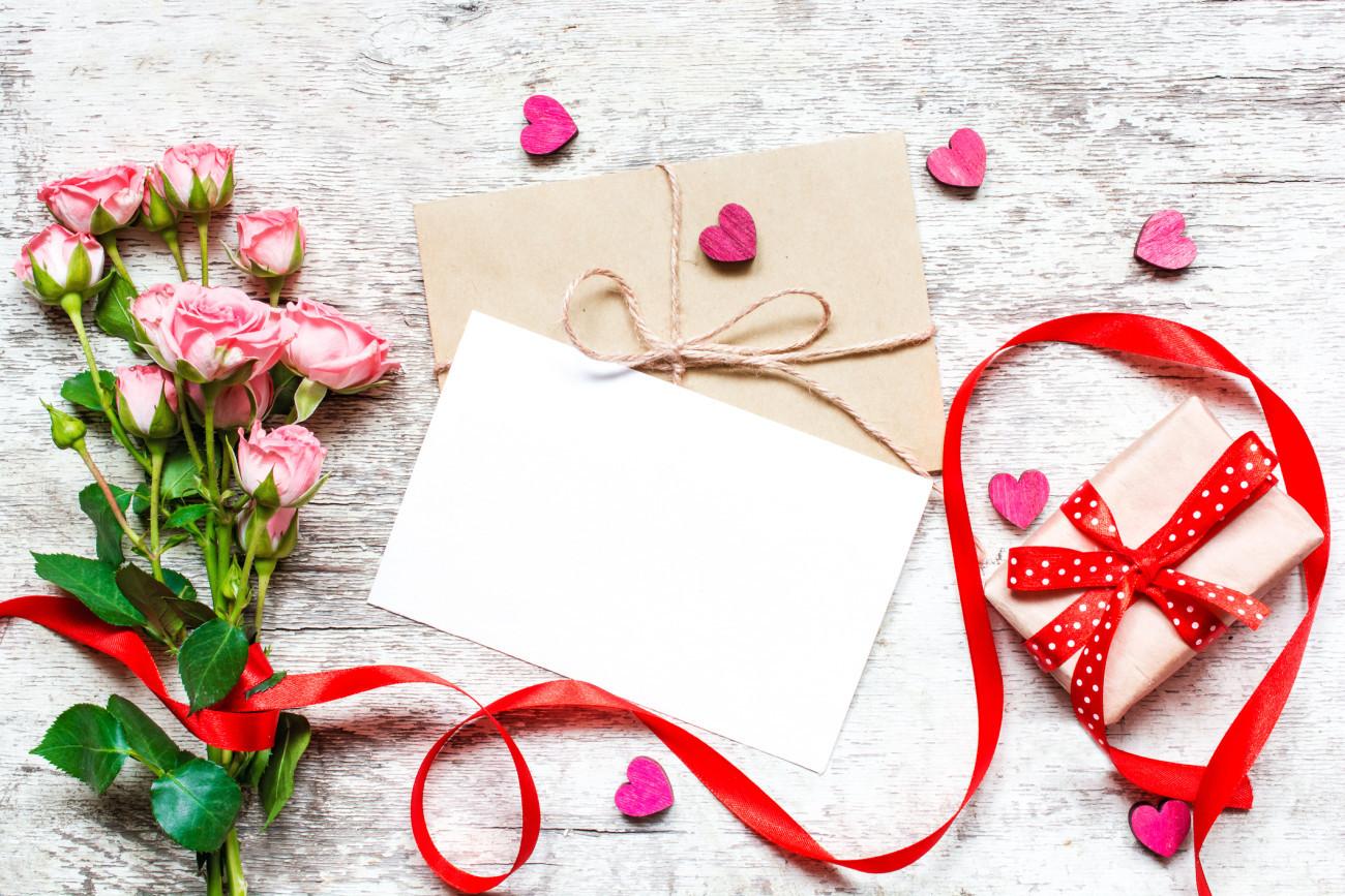 Rosenhochzeit Geschenke  Rosenhochzeit Geschenke zum 10 Hochzeitstag