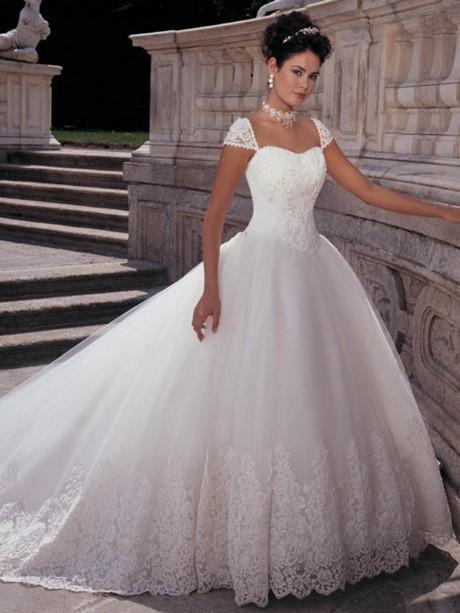 Schöne Kleider Für Hochzeit  Schönes kleid zur hochzeitsfeier