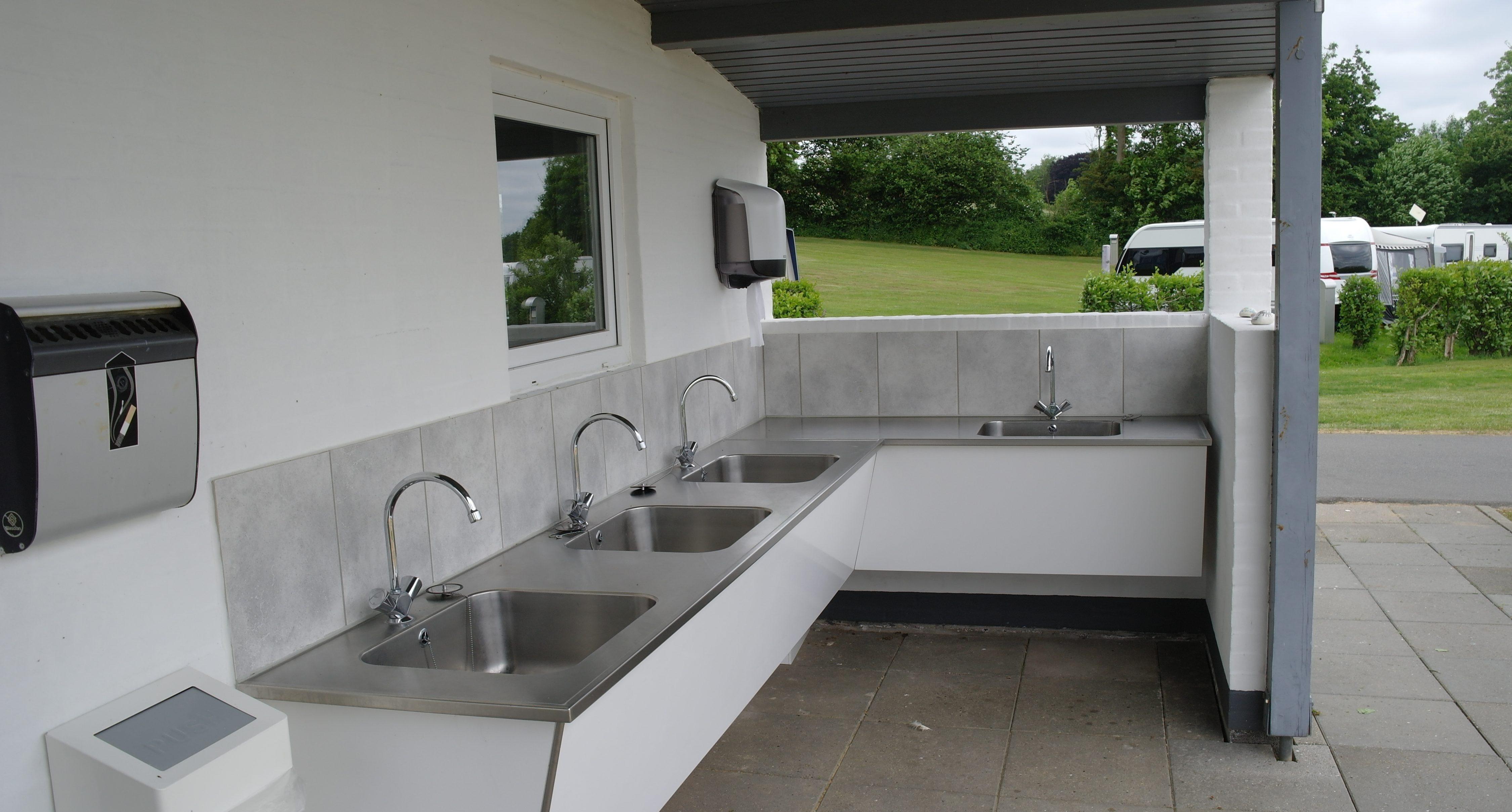 Schöne Küchen  Zwei schöne Küchen ist zur gemeinsamen Benutzung