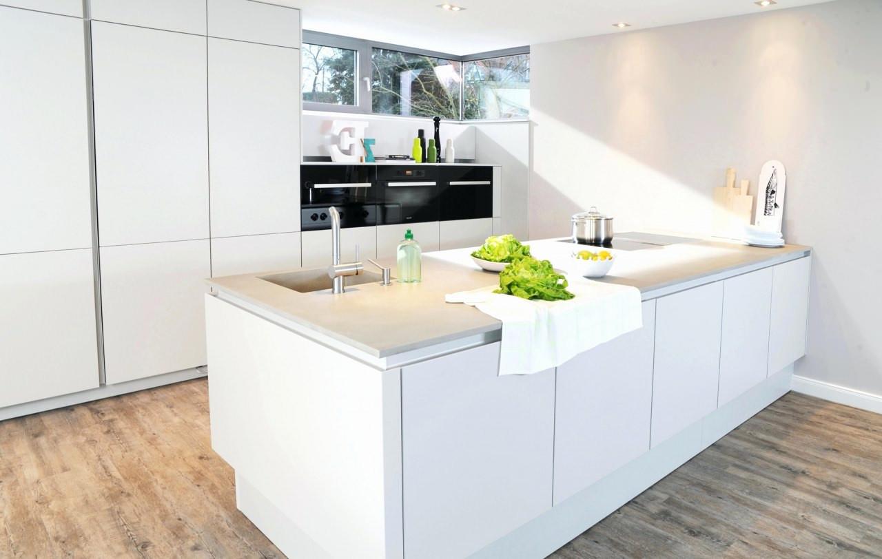 Schöne Küchen  Schöne Kleine Küchen Dachschräge Schrank Selber Bauen