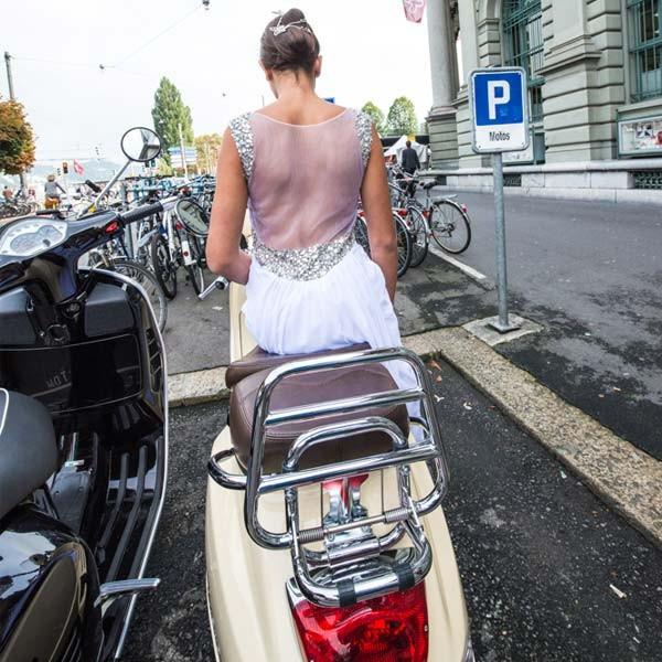 Sexy Hochzeitskleid  Leeren Sie zurück A Linie Hochzeitskleid image