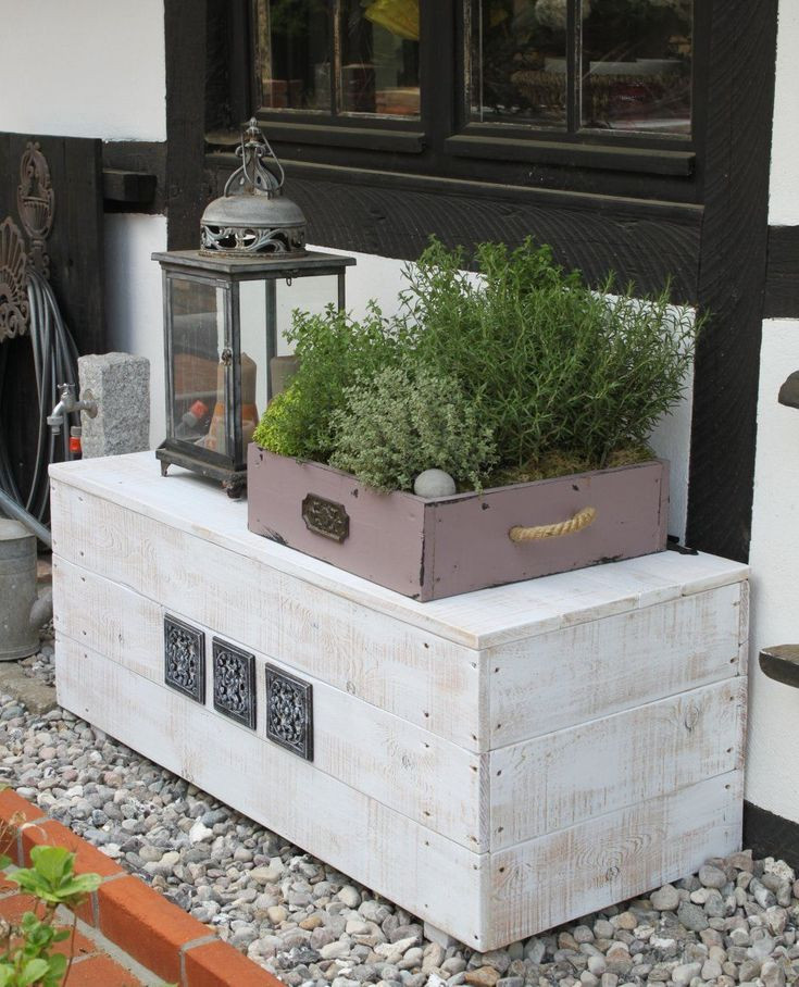 Sitztruhe Garten  Die besten 25 Gartenbank mit truhe Ideen auf Pinterest