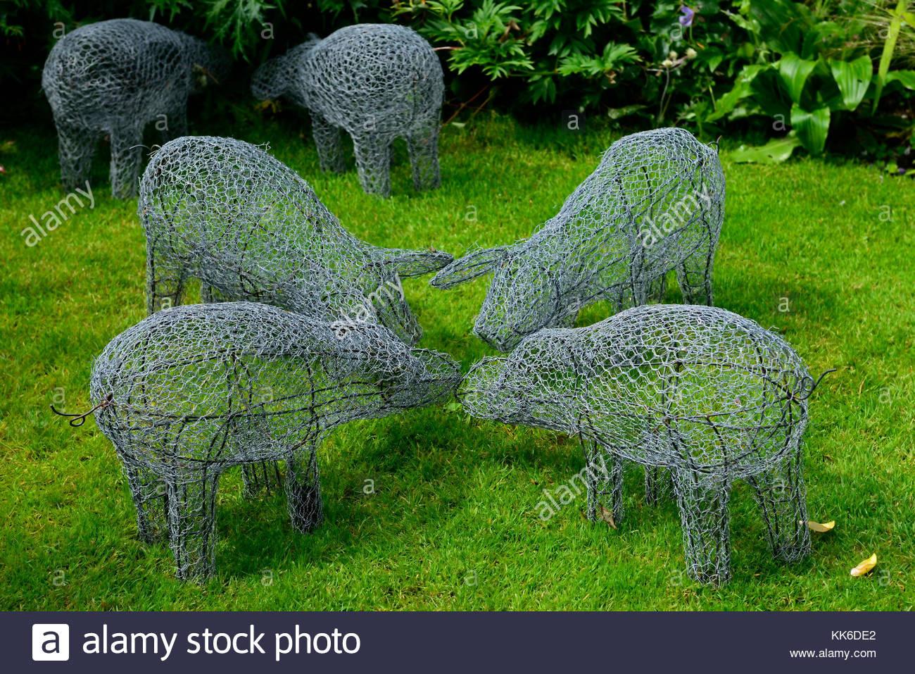 Skulptur Garten  Garten Skulptur Kunst Installation Schwein Schweine