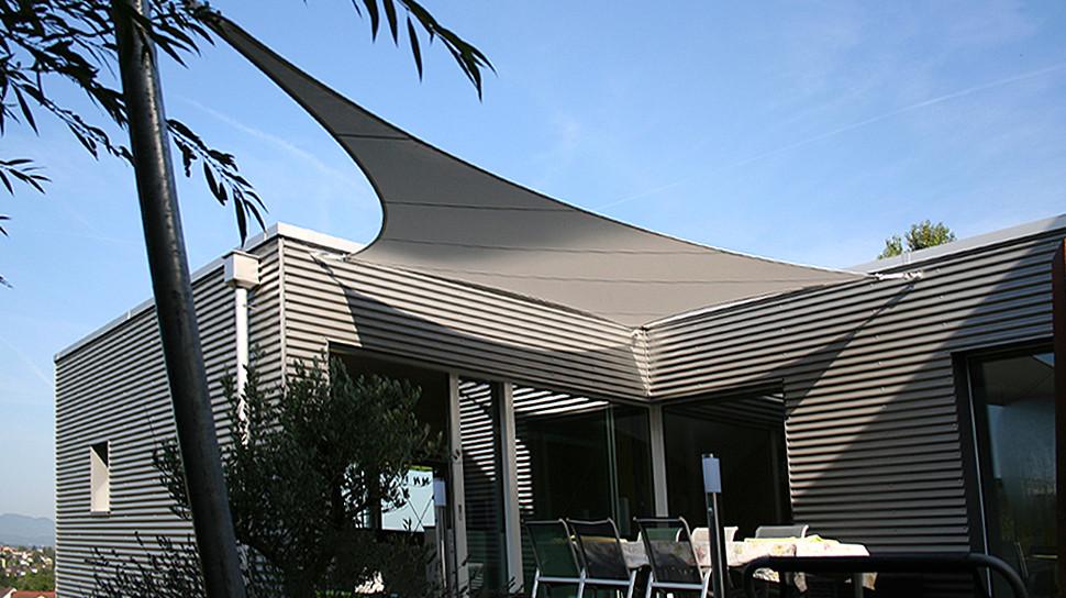 Sonnenschutz Für Terrasse  Eleganter Sonnenschutz für Ihre Terrasse › Sitrag Sonnensegel