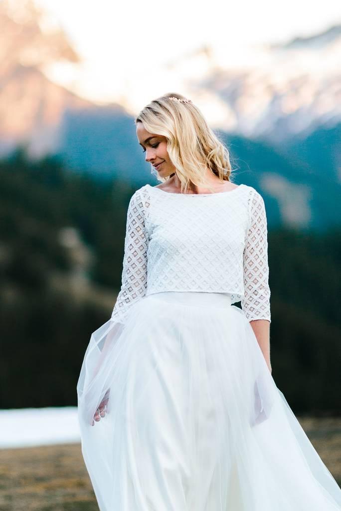 Spitzenoberteil Hochzeit  Spitzenoberteil für Hochzeit mit geometrischem Muster