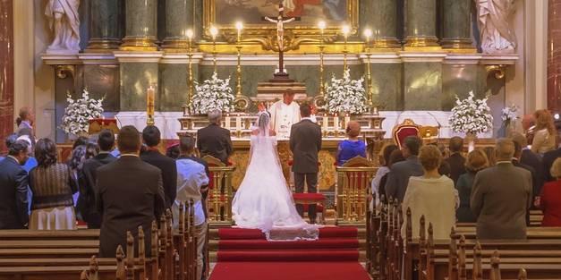 Standesamt Hochzeit Kosten  Kirchliche Trauung Ablauf Kosten u Kirchen zum Heiraten