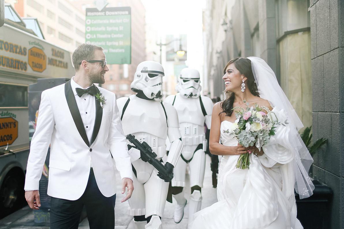 Star Wars Hochzeit  This Star Wars Wedding Is Equal Parts Geek And Chic