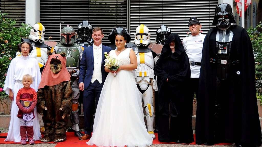 """Star Wars Hochzeit  Im Dieburger Rathaus heiratet Tochter eines """"Star Wars"""