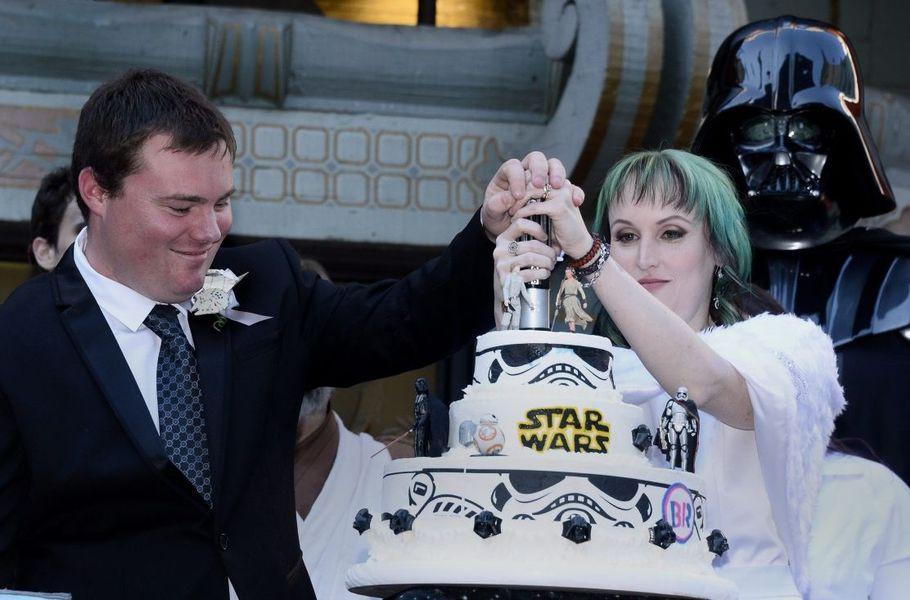 """Star Wars Hochzeit  DIY zur Hochzeit Wie man eine """"Harry Potter"""" oder """"Star"""