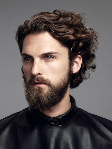 Stylische Frisuren Männer  Bilder herrenfrisuren