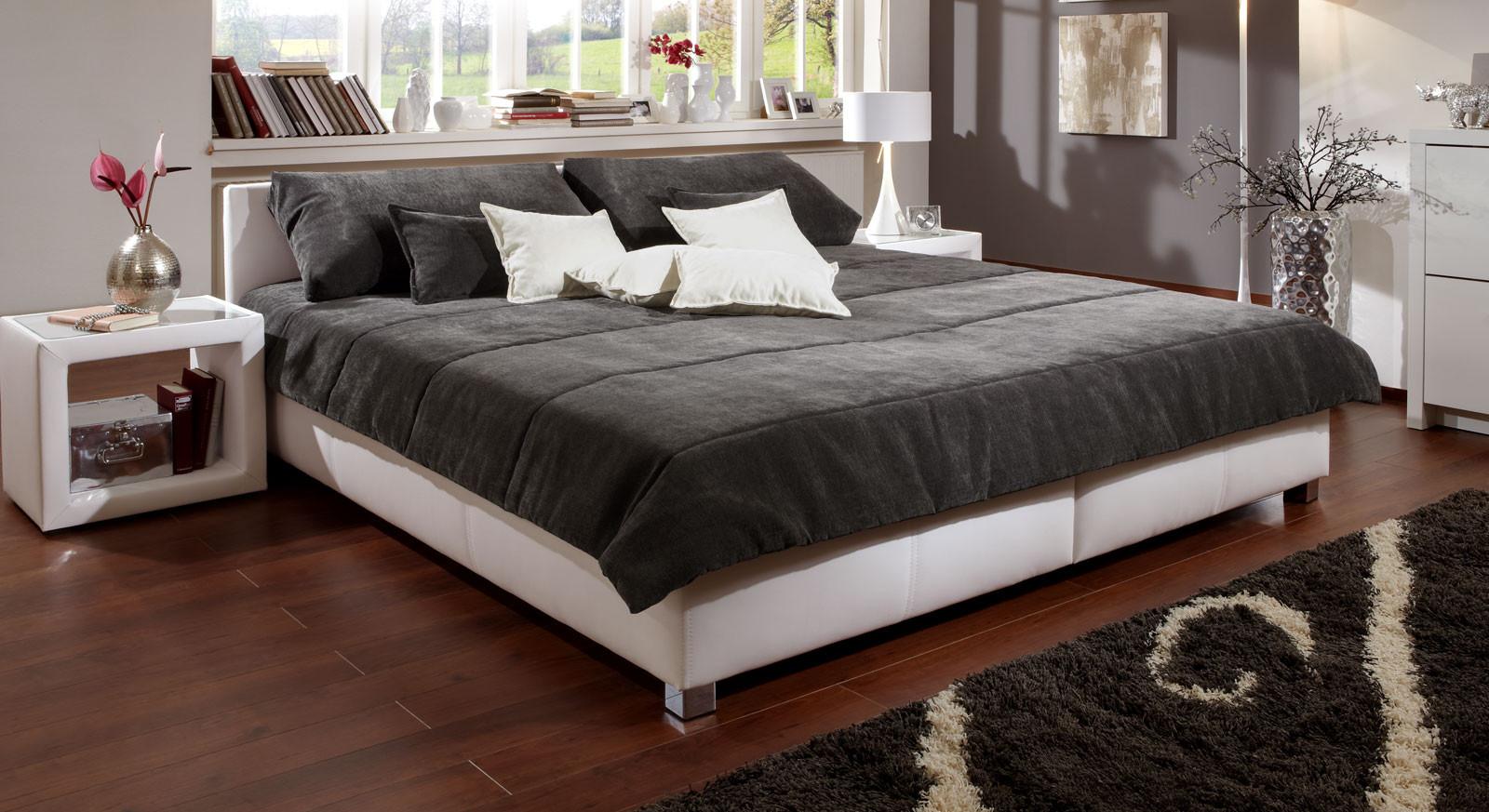 Tagesdecke Bett  Halblange Tagesdecke für Ihr Doppelbett kaufen Amadeo