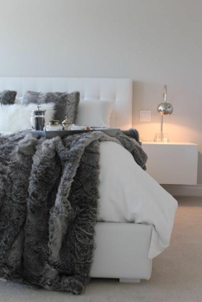Tagesdecke Bett  Flauschige Tagesdecken für Betten kuschelig und