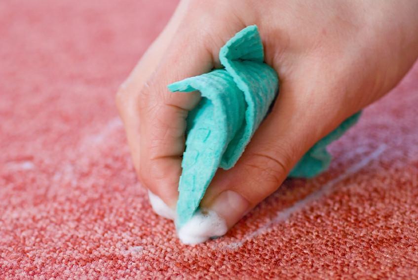 Teppich Reinigen  Polypropylen Teppich reinigen Flecken einfach entfernen
