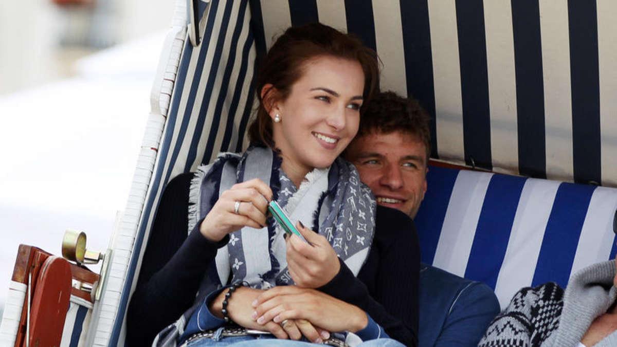 Thomas Müller Lisa Müller Hochzeit  Thomas Müller vom FC Bayern baut Traumhaus in Otterfing