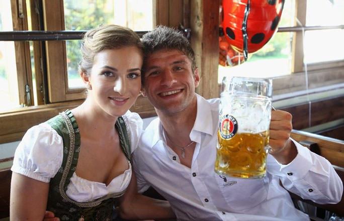 Thomas Müller Lisa Müller Hochzeit  Lisa Müller Die Spielerfrauen der Fußball WM 2014