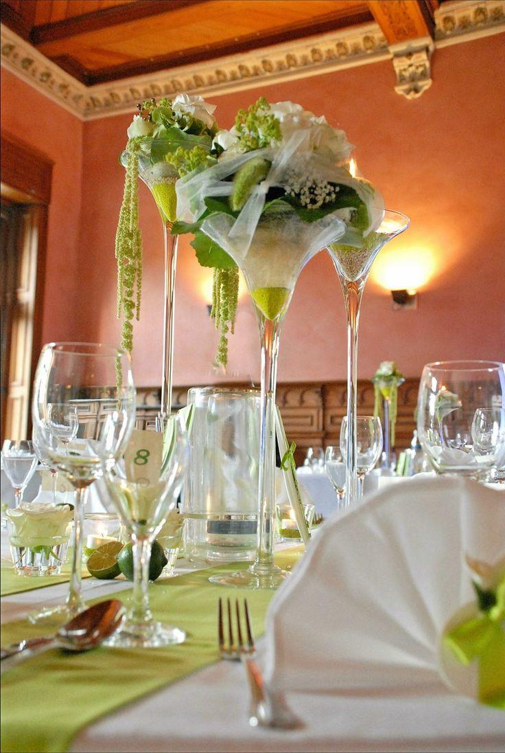 Tischdeko Hochzeit Grün Weiß  25 best Hochzeit Deko & Blumen images on Pinterest