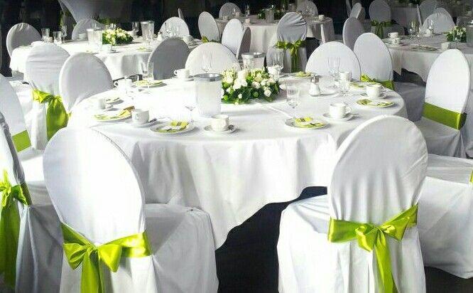 Tischdeko Hochzeit Grün Weiß  Tischdeko grün weiß Deko Pinterest