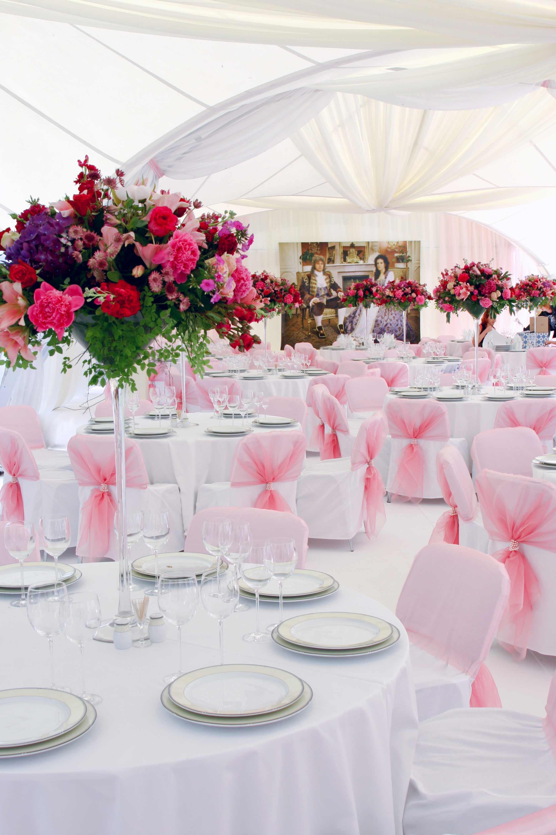 Tischdeko Hochzeit Mustertische  Tischdeko Hochzeit runde Tische Bildergalerie