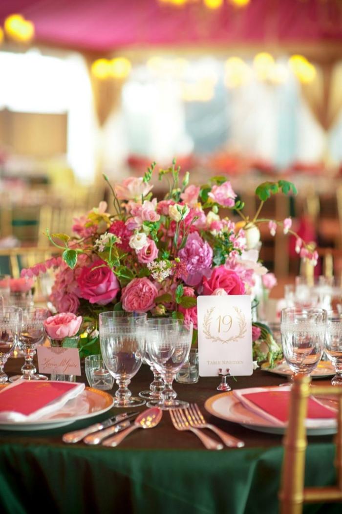 Tischdeko Hochzeit Runde Tische  Tischdekoration zur Hochzeit 31 Ideen für runde Tische