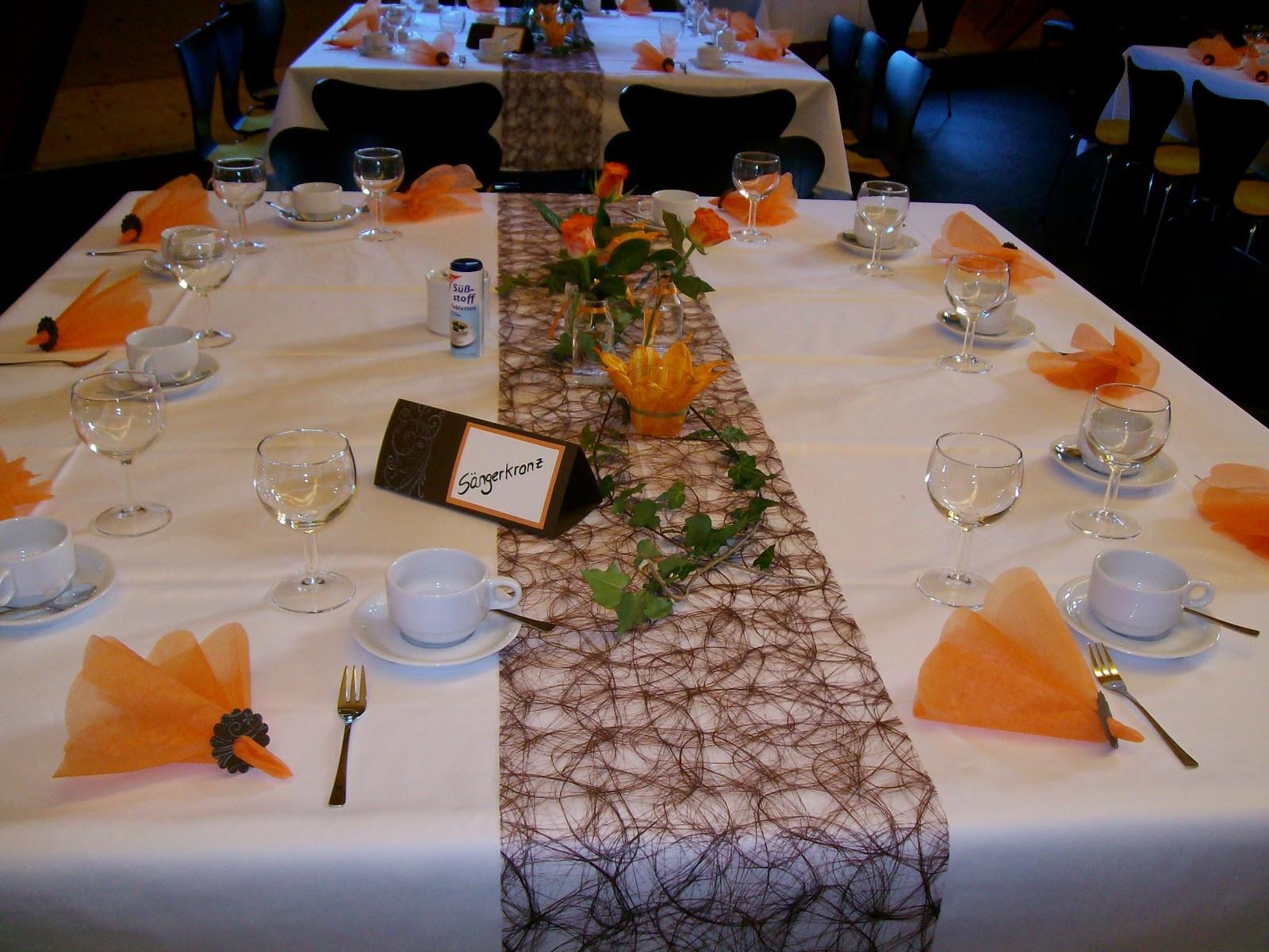Tischdeko Zur Hochzeit  Ideen Oase Tischdeko zur Goldenen Hochzeit