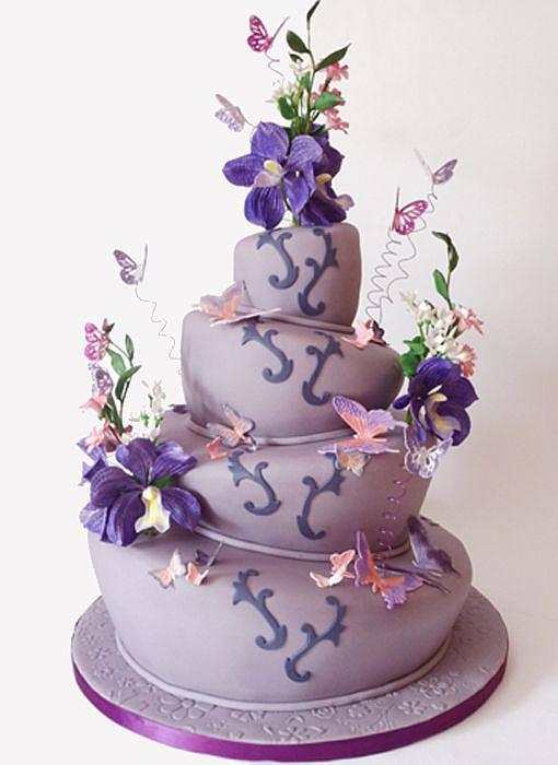 Topsy Turvy Hochzeitstorte  Topsy Turvy Torte mit Blumendekoration Bilder Madame